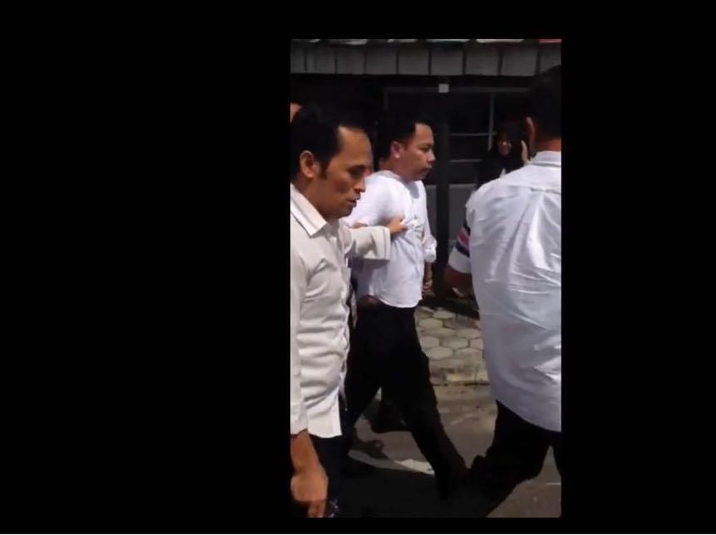 Berapa Gaji Petugas Pajak yang Ditangkap Karena Peras Rp 50 Juta?