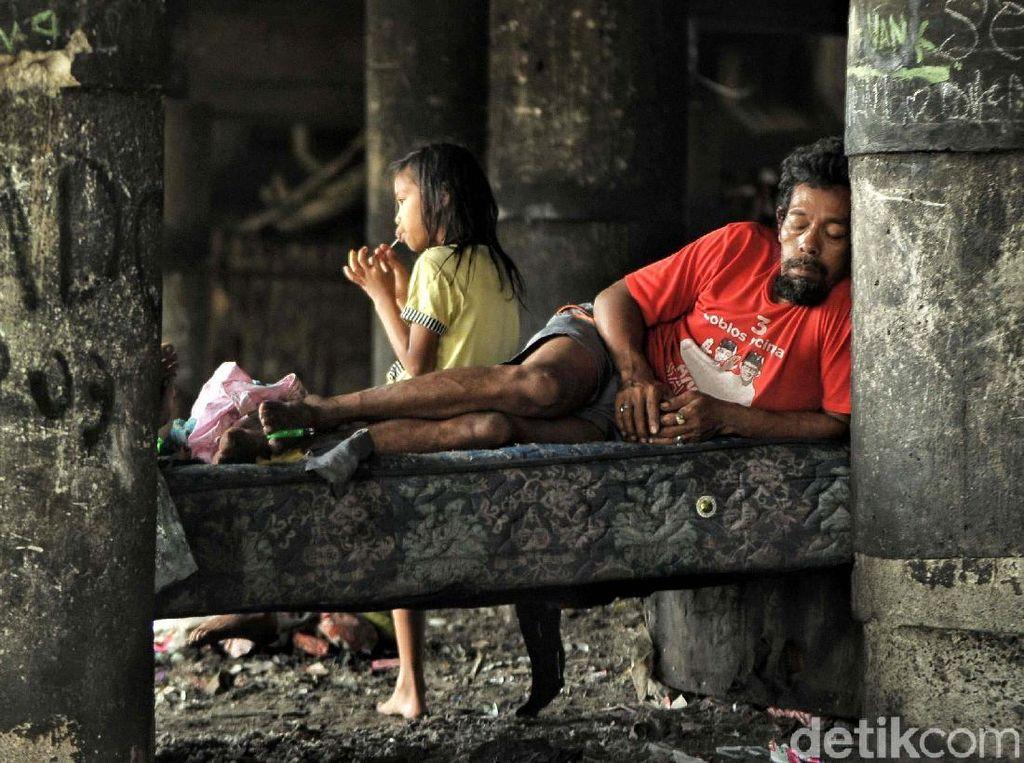 Melihat Pengungsi Korban Kebakaran Papanggo