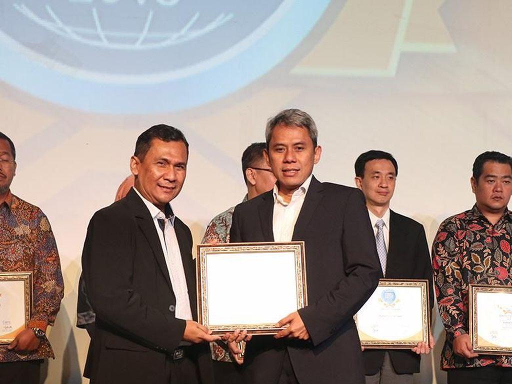 Beri Pelayanan Maksimal, Call Center JNE Raih Award Bergengsi