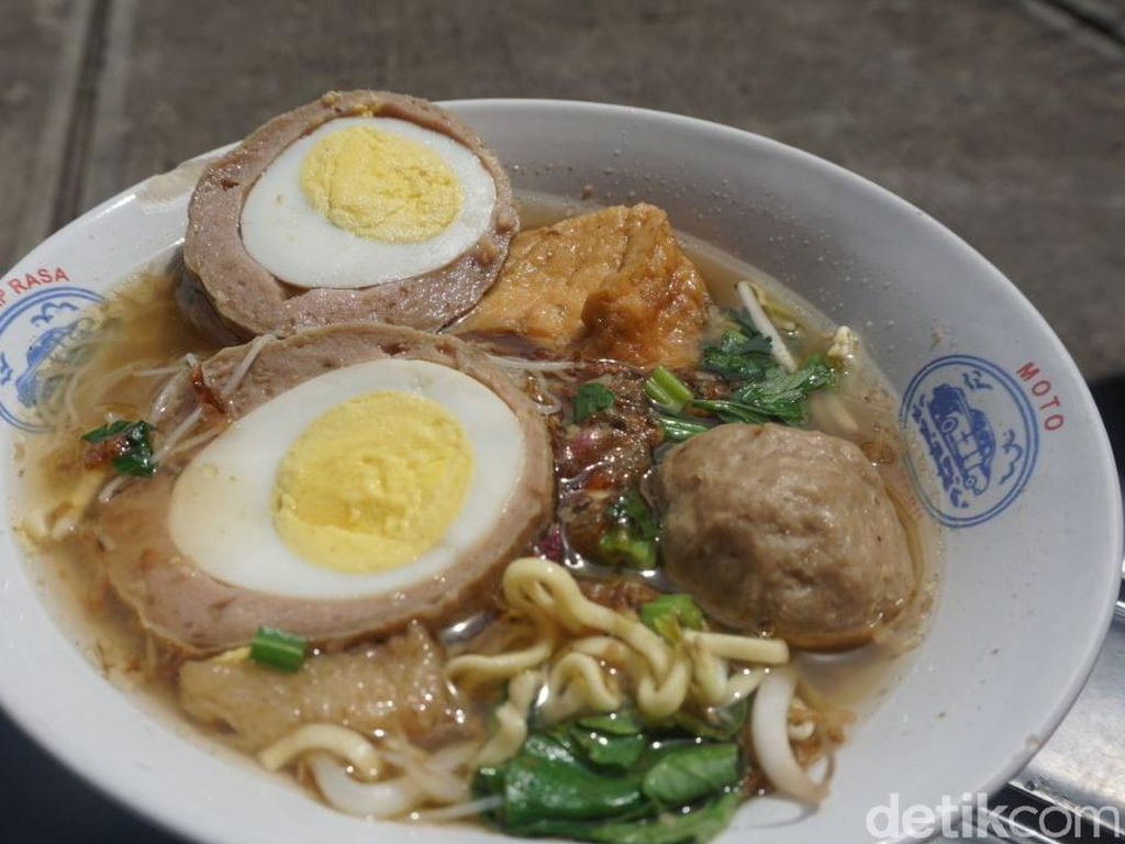 Kulineran Mantap Nasi Uduk Ungu hingga Bakso Legendaris yang Bikin Laper!