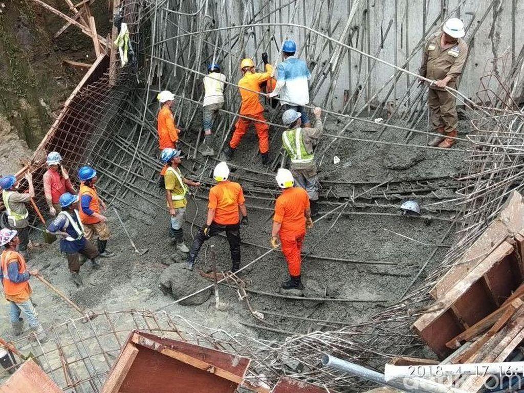 Mencekam! Ini Evakuasi Korban Proyek Tol Runtuh di Manado