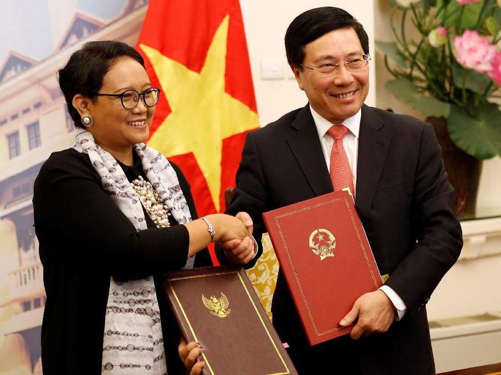 Foto: Menlu Retno Bertemu dengan Wakil PM Vietnam di Hanoi