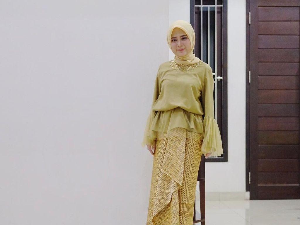 Setelah Hijab Anti Bakteri, Restu Anggraini Akan Rilis Hijab Anti Air