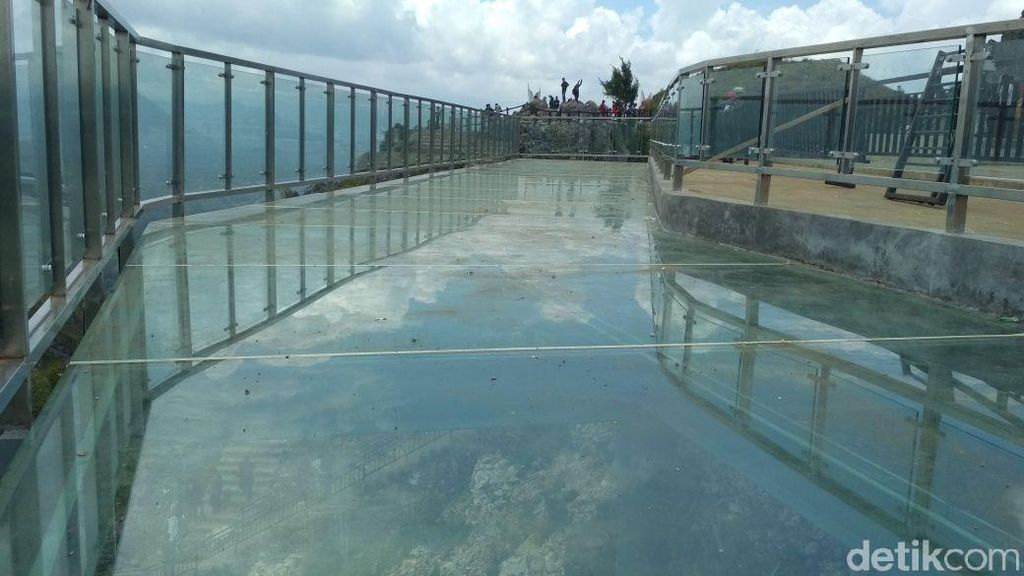Foto: Jembatan Kaca Kepunyaan Toraja Seperti di China