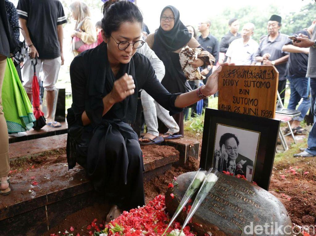 Istri Soal Deddy Sutomo: Dia Sukanya Mesra-mesraan, Nggak Suka Ribut