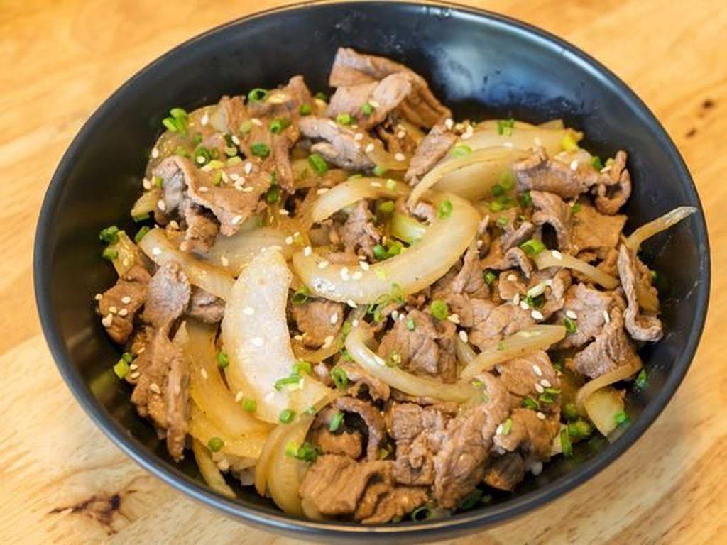 Gyudon, Nasi dengan Topping Daging Khas Jepang Ada di 5 Tempat Ini
