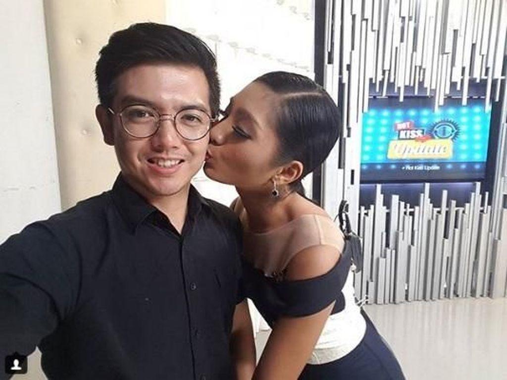 Liza Tak Hadir, Sidang Cerai Nicky Tirta Kembali Ditunda