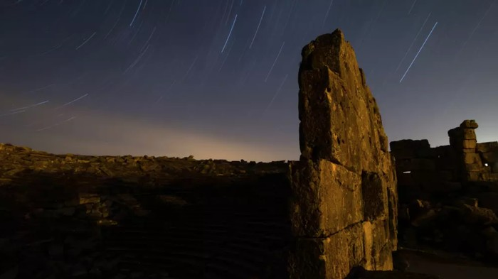 Hujan meteor Lyrid. Foto: Dok. Anadolu Agency via TIME