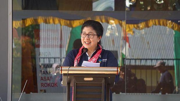 Menteri Kesehatan Nila F. Moeloek meresmikan dua puskesmas perbatasan di Kalimantan Barat, Rabu (18/4).