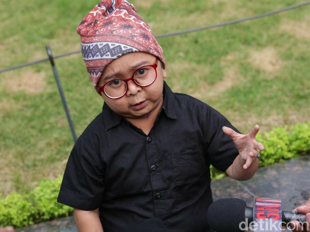 Daus Mini Kenang Masa Indah Bersama Sang Ayah