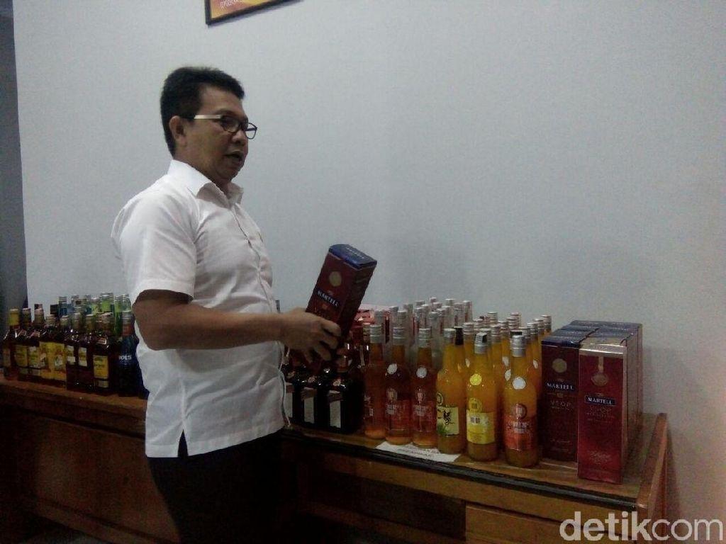Penjual Miras Oplas Merek Impor Ditangkap