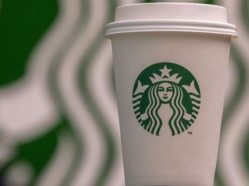 Perangi Sampah Plastik, Starbucks Uji Coba Gelas Baru