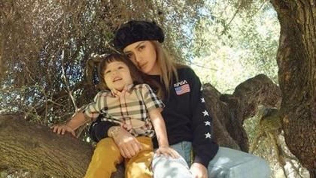 Jessica Iskandar Tulis Mom and Daughter Time, Salah Sebut?