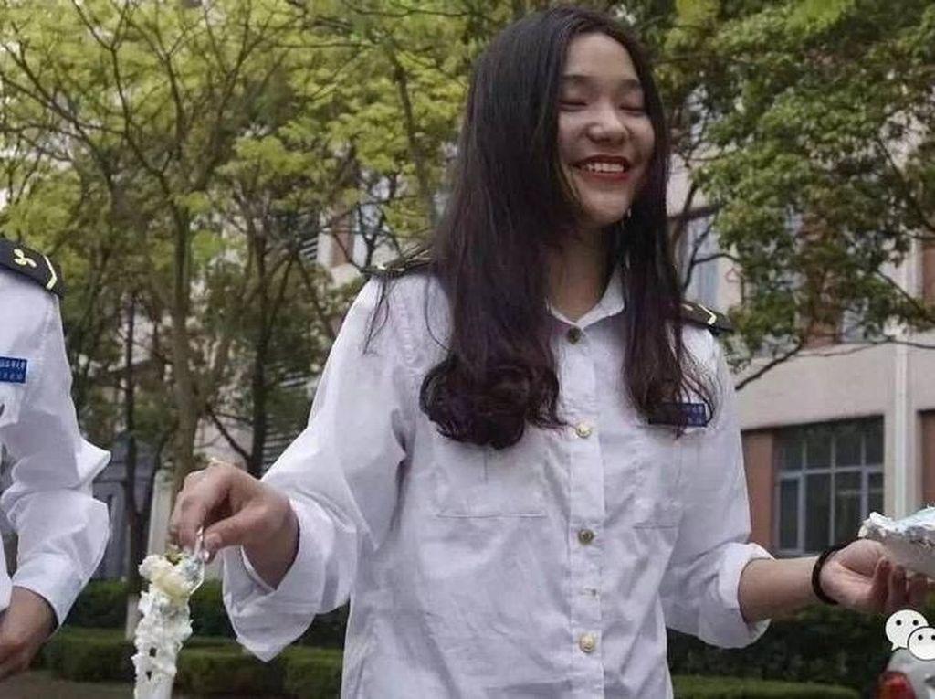 Bikin Iri, Ini Jadinya Saat Satu-satunya Mahasiswi di Kampus Berulang Tahun