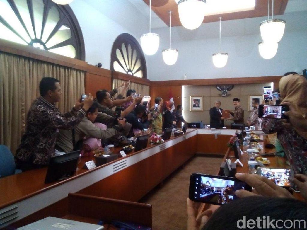 Wabup Yayat Resmi Gantikan Abubakar Pimpin Bandung Barat