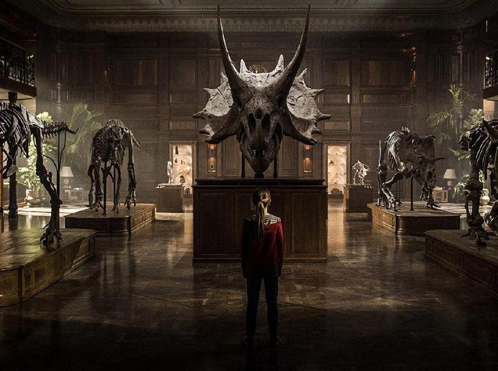 Kru Positif Corona, Syuting Sekuel Jurassic World Ditunda