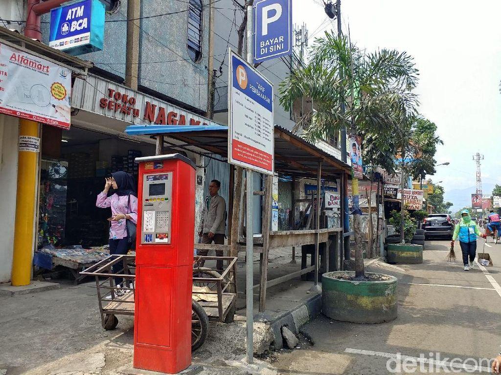 Dewan Nilai Mesin Parkir di Bandung Mubazir