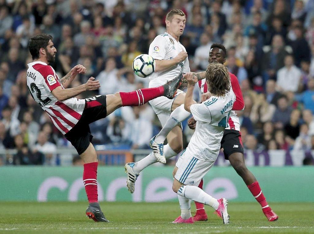 Ada Dua Pemain Real Madrid yang Gayanya Mirip Scholes