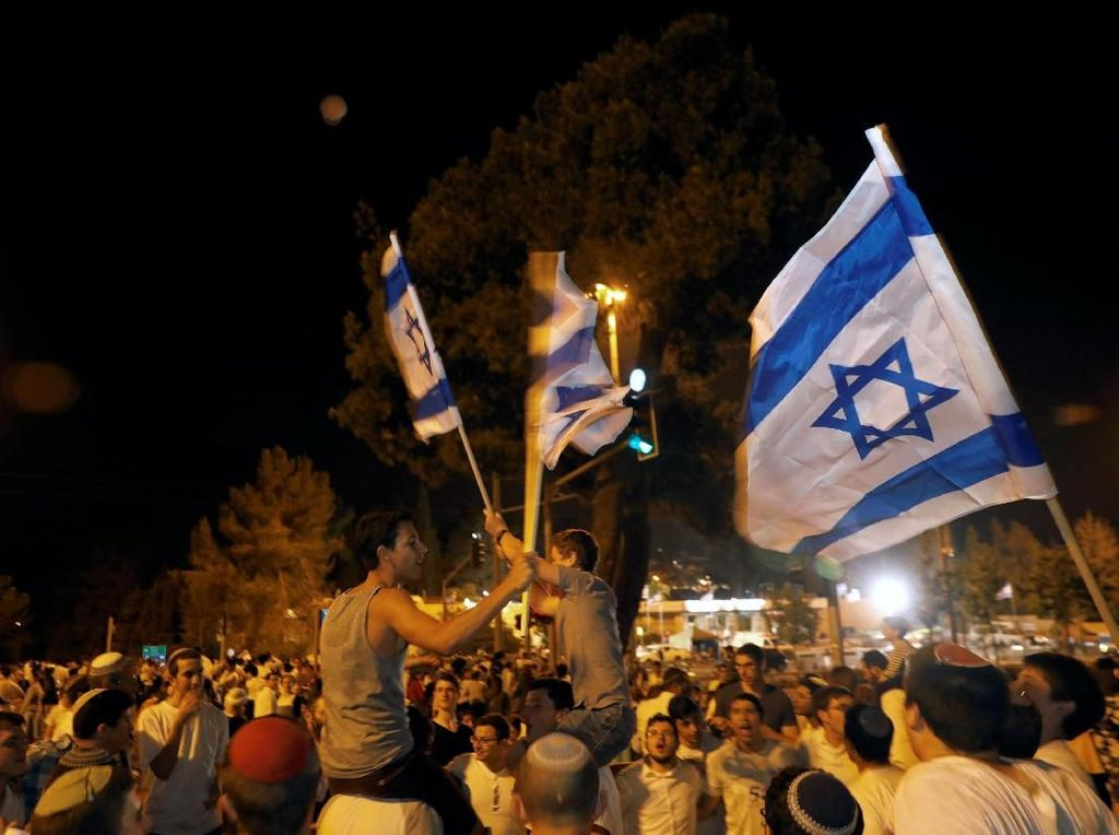 Begini Meriahnya Warga Israel Berpesta di HUT Kemerdekaan
