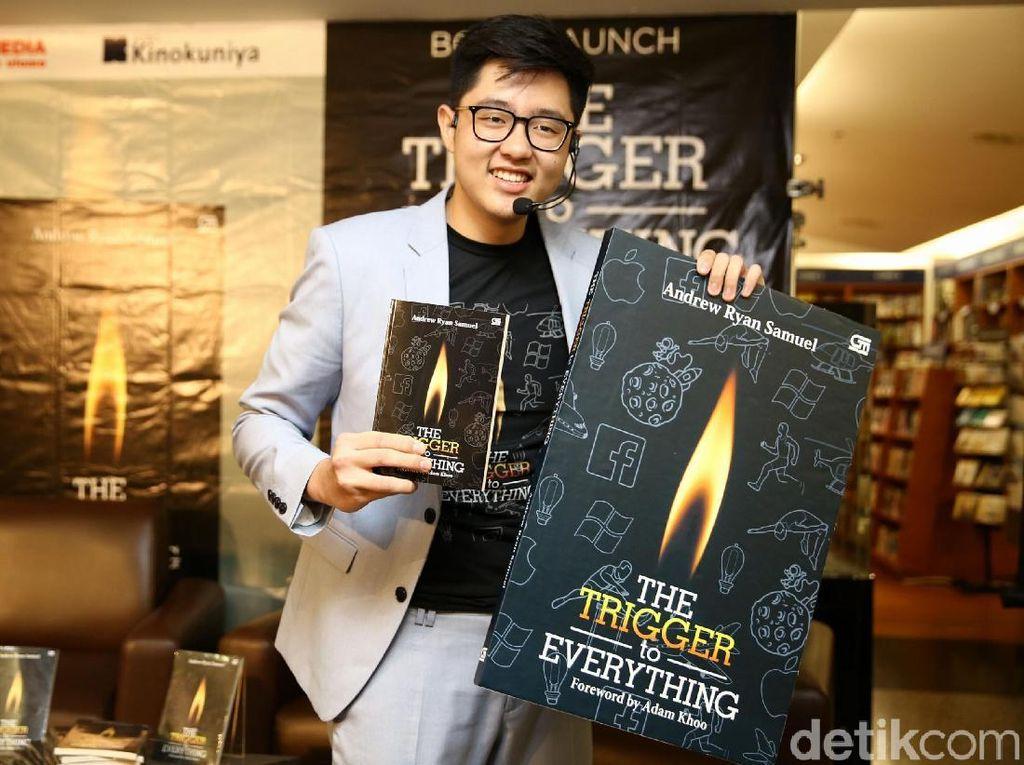 Remaja Ini Luncurkan Buku The Trigger To Everything