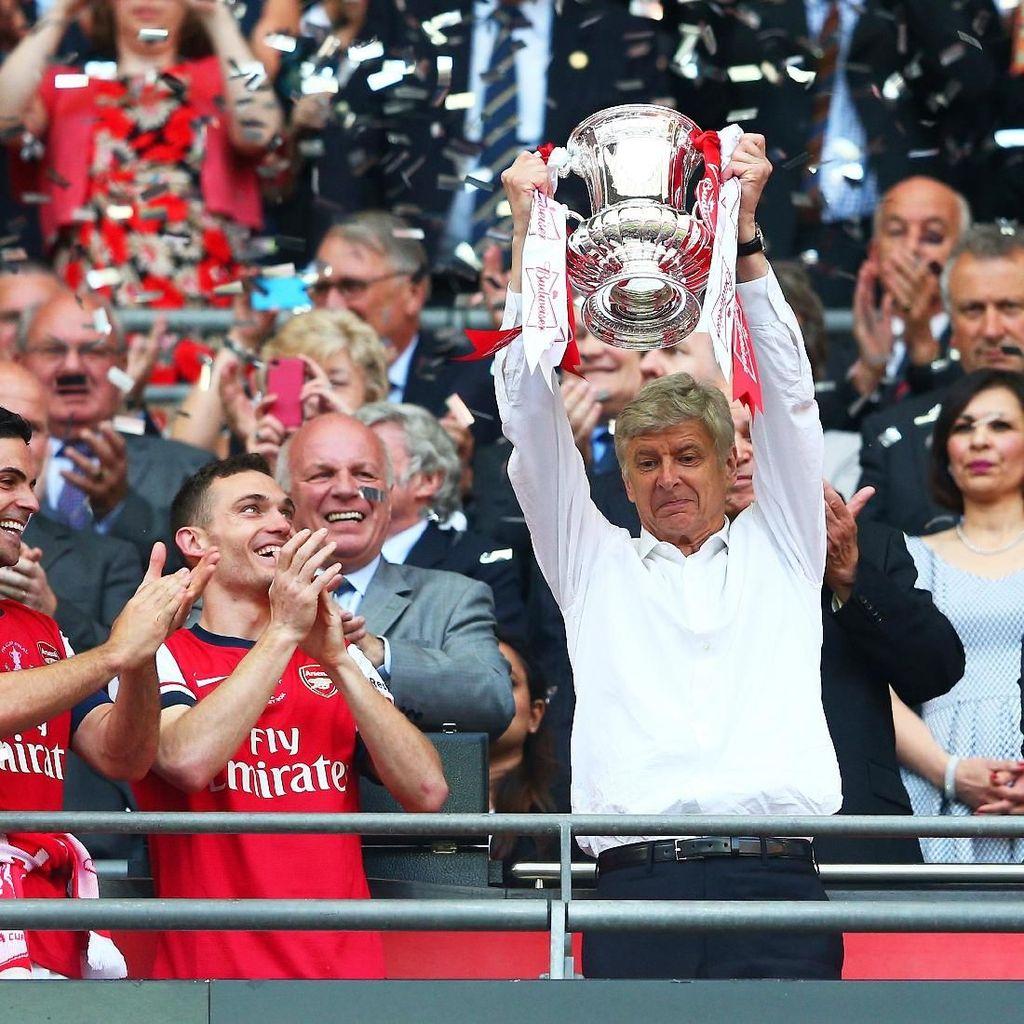 Arsene Wenger: 22 Tahun, 704 Kemenangan, 17 Titel
