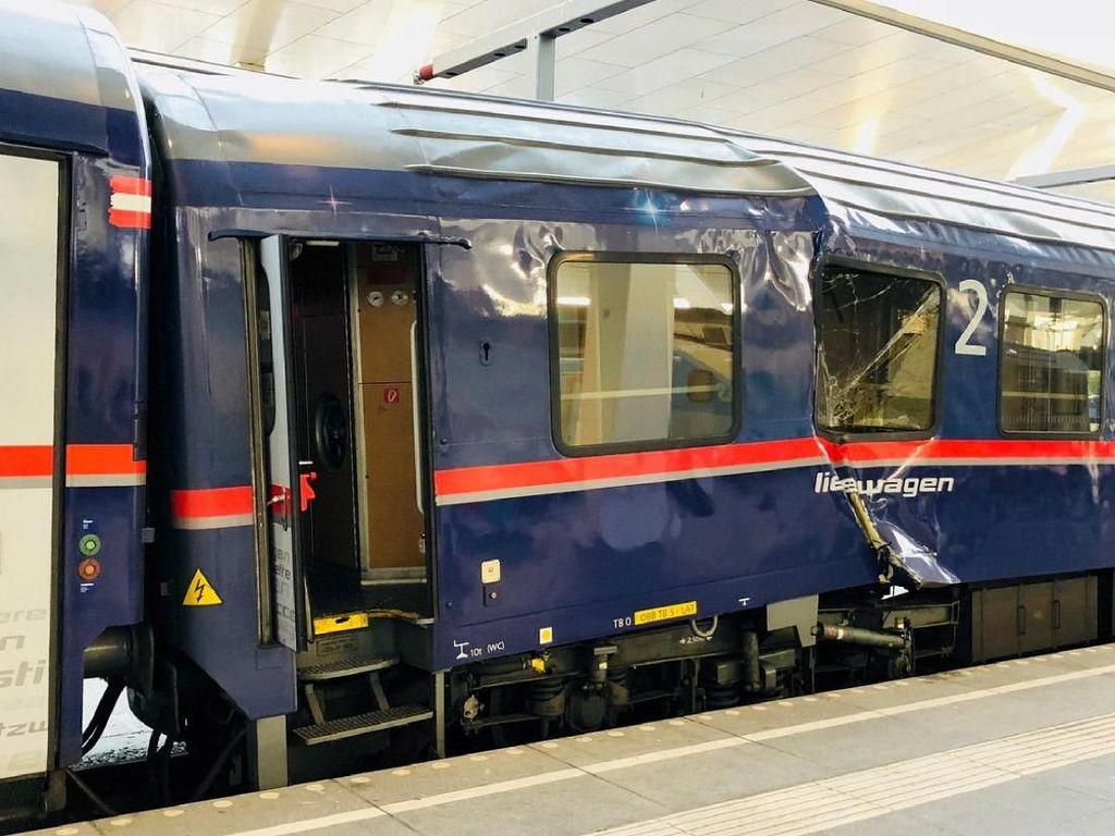 2 Kereta di Austria Tabrakan Saat Akan Disatukan, 40 Orang Luka