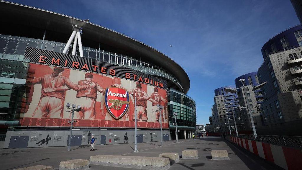 Wenger Diserukan Jadi Nama Stadion Arsenal