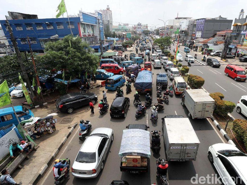 Tok! Warga Depok yang Punya Mobil Wajib Siapkan Garasi