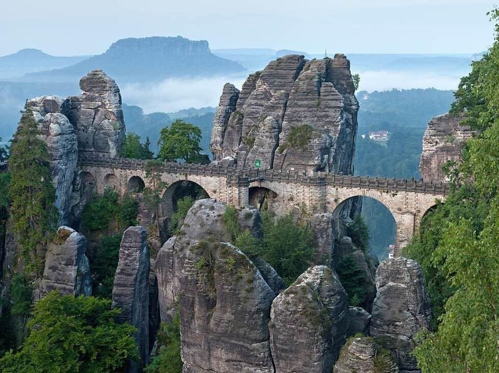 Foto: Tebing dengan Pemandangan Paling Spektakuler di Eropa