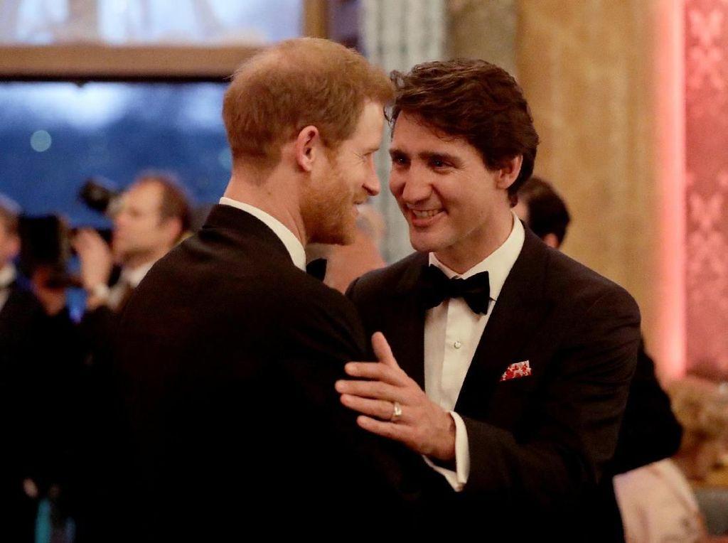 Foto: Justin Trudeau dan Pangeran Harry Akrab Banget!