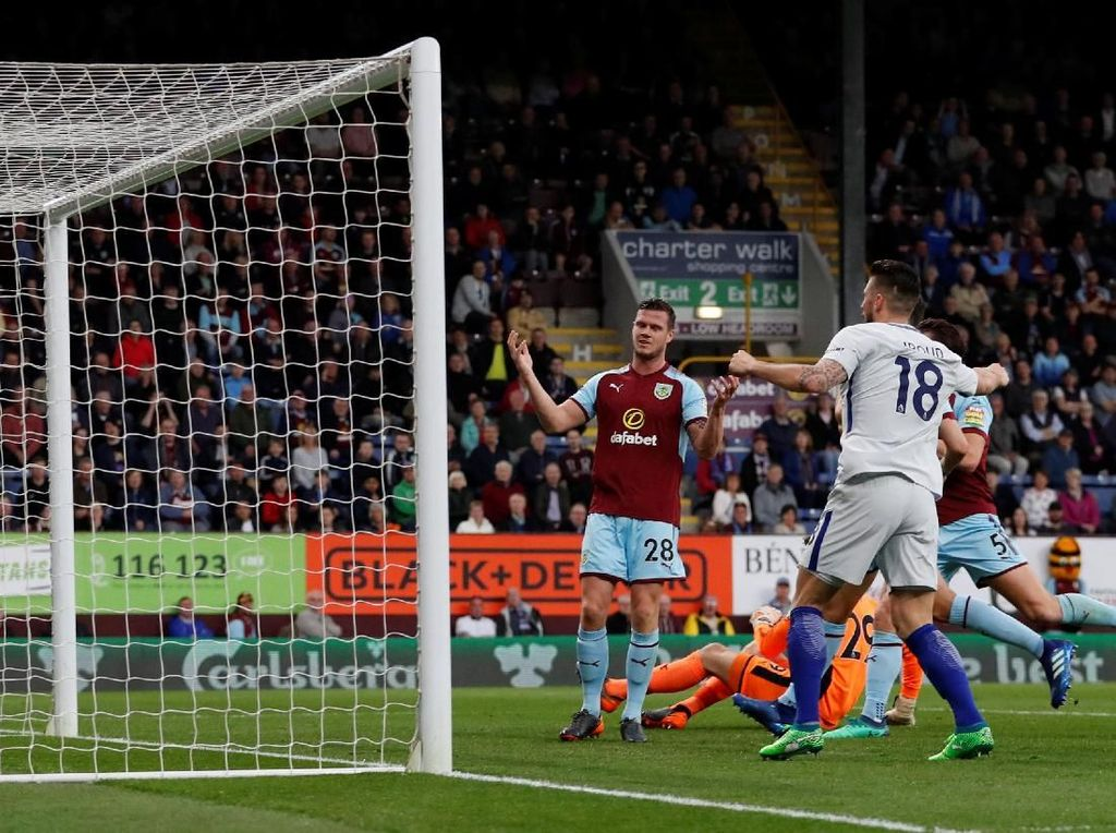 Chelsea Memimpin berkat Gol Bunuh Diri