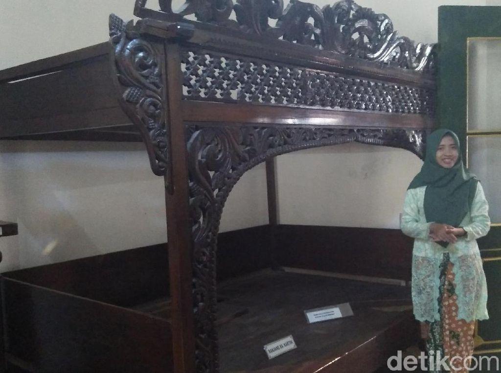 Ini Kamar RA Kartini, Lengkap dengan Ranjang dan Kaca Rias Asli