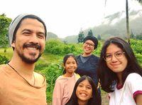 Ariyo Wahab dan keluarga