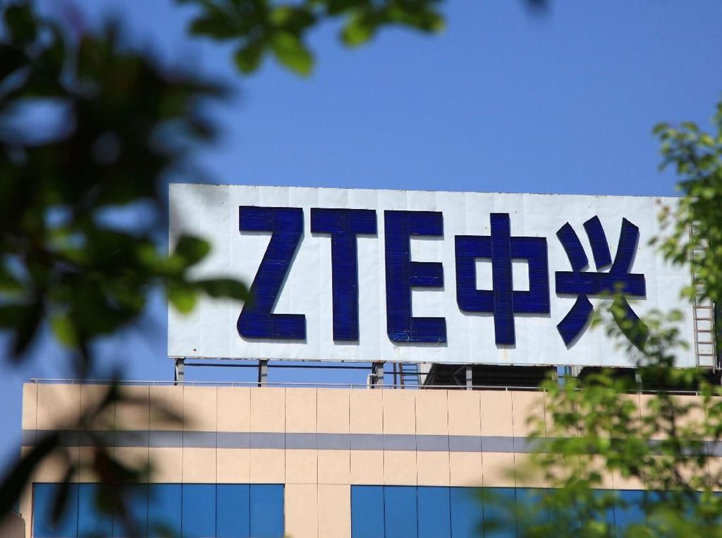 ZTE Siapkan Ponsel Kamera Depan 32 MP