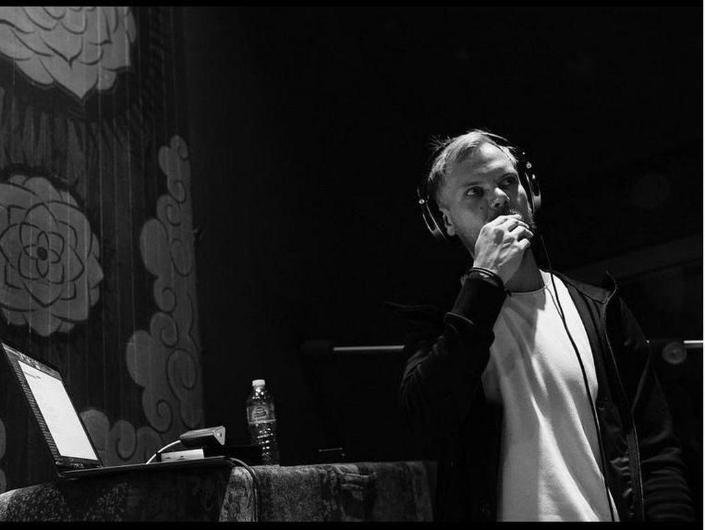 Rekan Avicii Kesulitan Rampungkan Album TIM