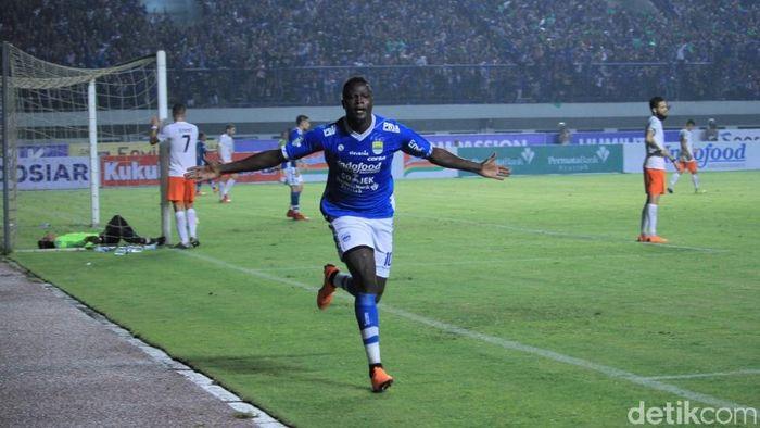 Ezechiel NDouassel sudah bergabung dengan Persib di Bali. (Wisma Putra/detikSport)