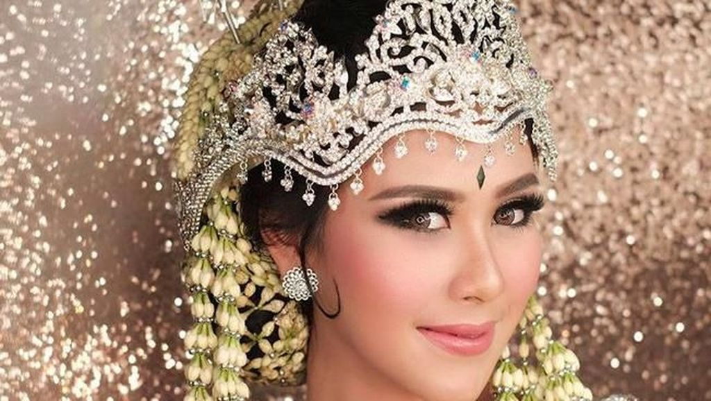 Gelar Pernikahan di Ciputra Artpreneur Bisa Menang Paket Makeup Bubah Alfian
