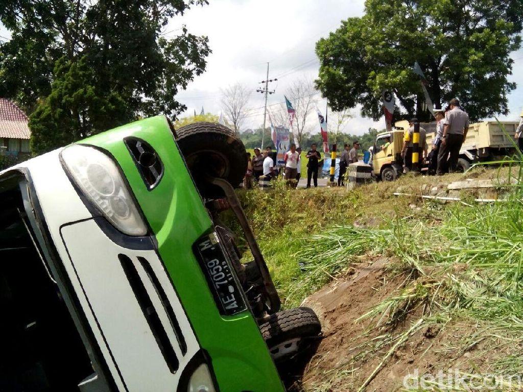 Mirip Pesawat, Bus Wisata di Indonesia Bakal Dipasangi Blackbox