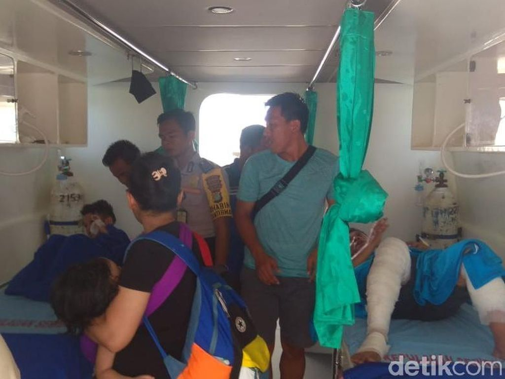 4 Korban Luka Kapal Meledak di Pulau Seribu Dibawa ke RSUD Koja