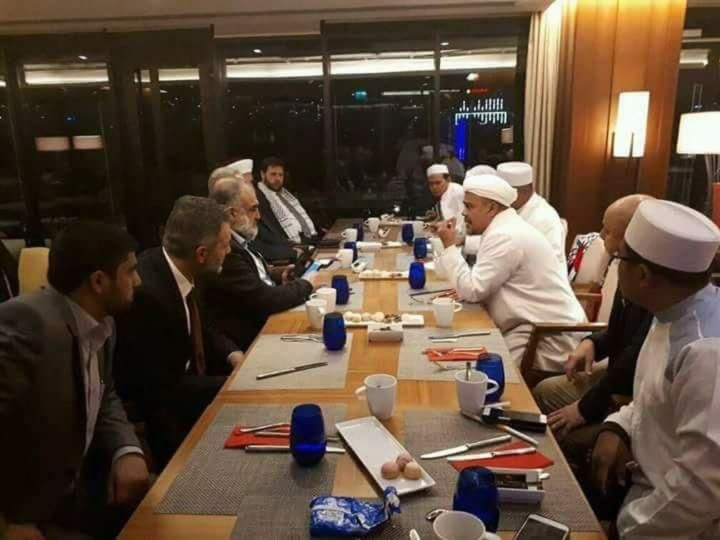 Potret Habib Rizieq Kunjungi Maroko dan Turki