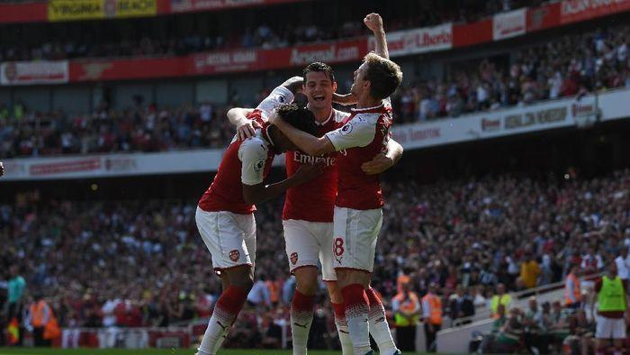 Arsenal menang 4-1 atas West Ham United. (Foto: Shaun Botterill/Getty Image)