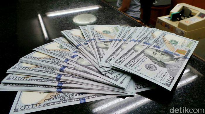 naik-lagi-dolar-as-siang-ini-tembus-rp-14450