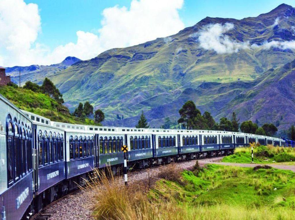 Sensasi Naik Kereta Mewah Bergaya Jadul di Peru