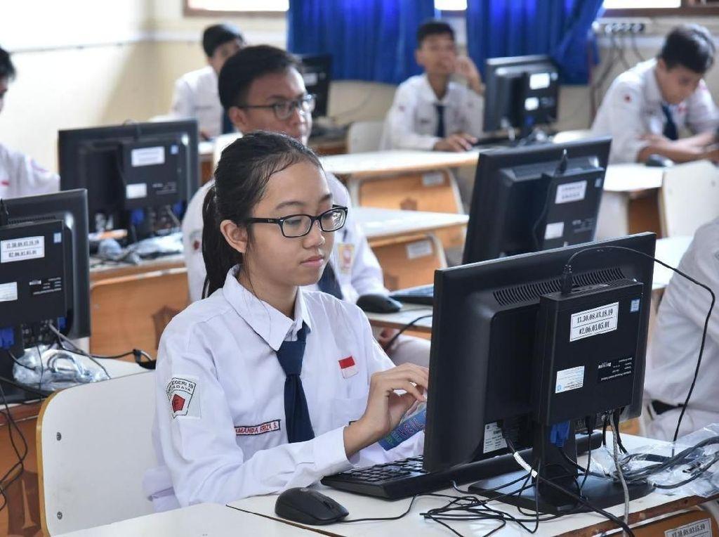 Listrik Padam dan Server Offline Hiasi Hari Pertama UNBK di Surabaya