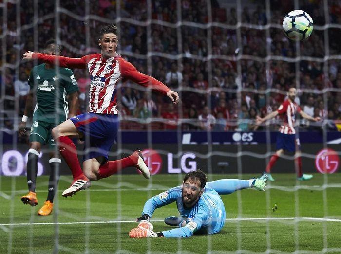 Atletico Madrid bermain imbang 0-0 dengan Real Betis. (Foto: Gonzalo Arroyo Moreno/Getty Images)