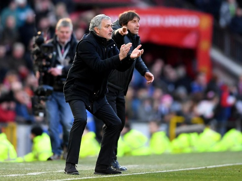 Conte: Final Piala FA Bukan Laga Saya vs Mourinho