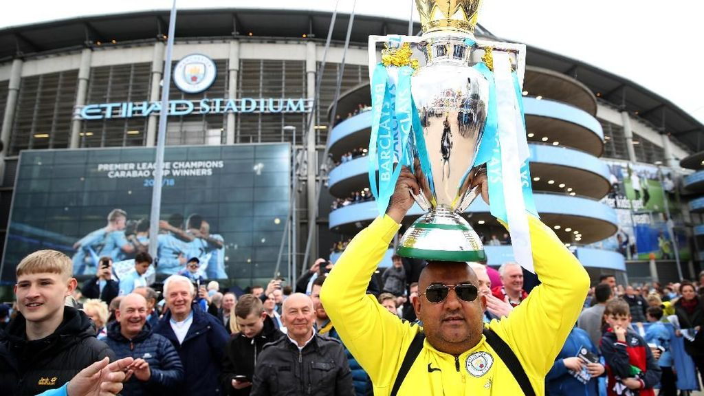 Guard of Honour dan Pesta Kecil City di Etihad Stadium
