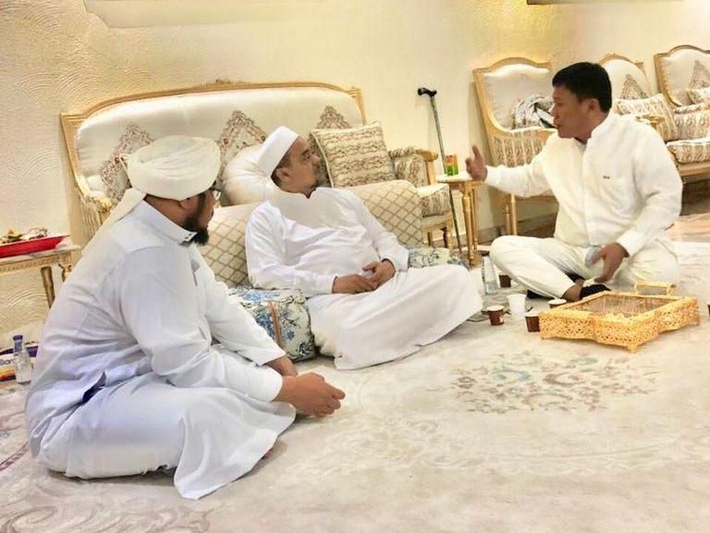 Politikus PDIP Temui Habib Rizieq, FPI: Tak Ada Perubahan Pikiran