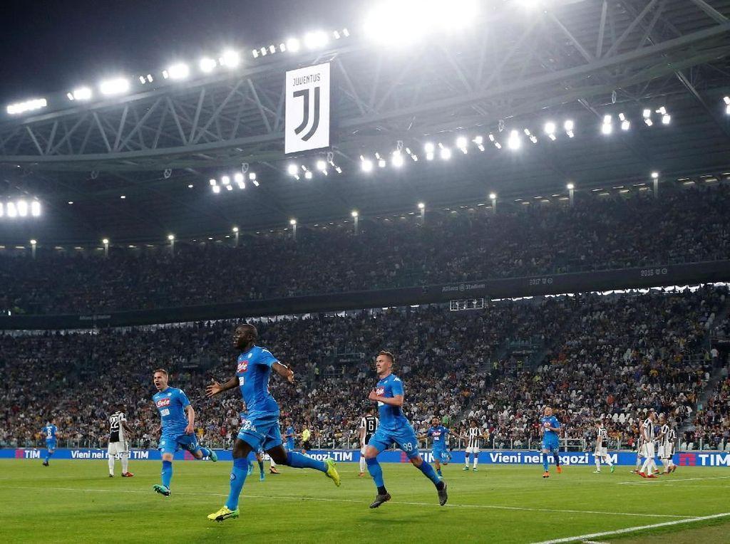 Napoli Jegal Juventus