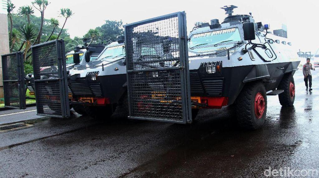 Barracuda Disiagakan, Begini Persiapan Polisi Hadapi Demo Ojol